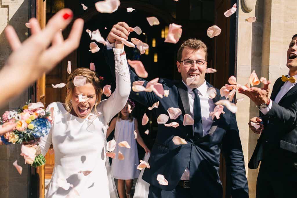 Sortie des mariés de l'eglise
