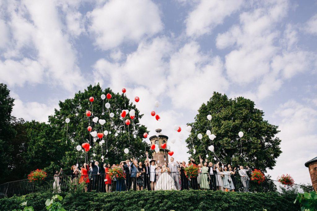 Laché de Ballons pendant un mariage au chateau d'Isenbourg à Rouffach