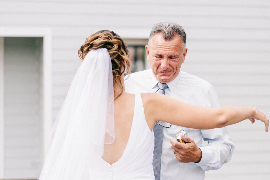 La découverte de la mariée par son papa
