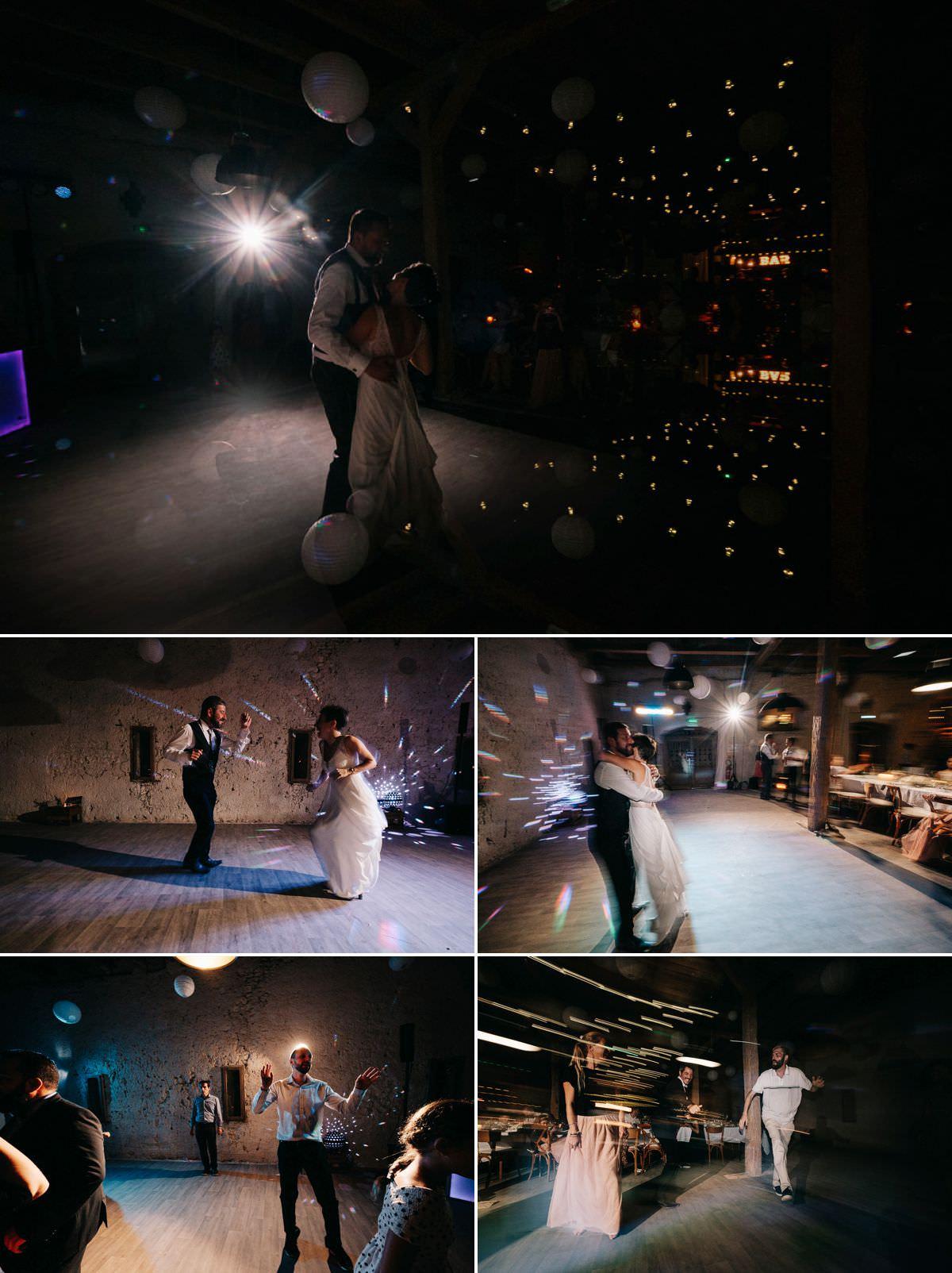 Le bal et les invités qui dansent