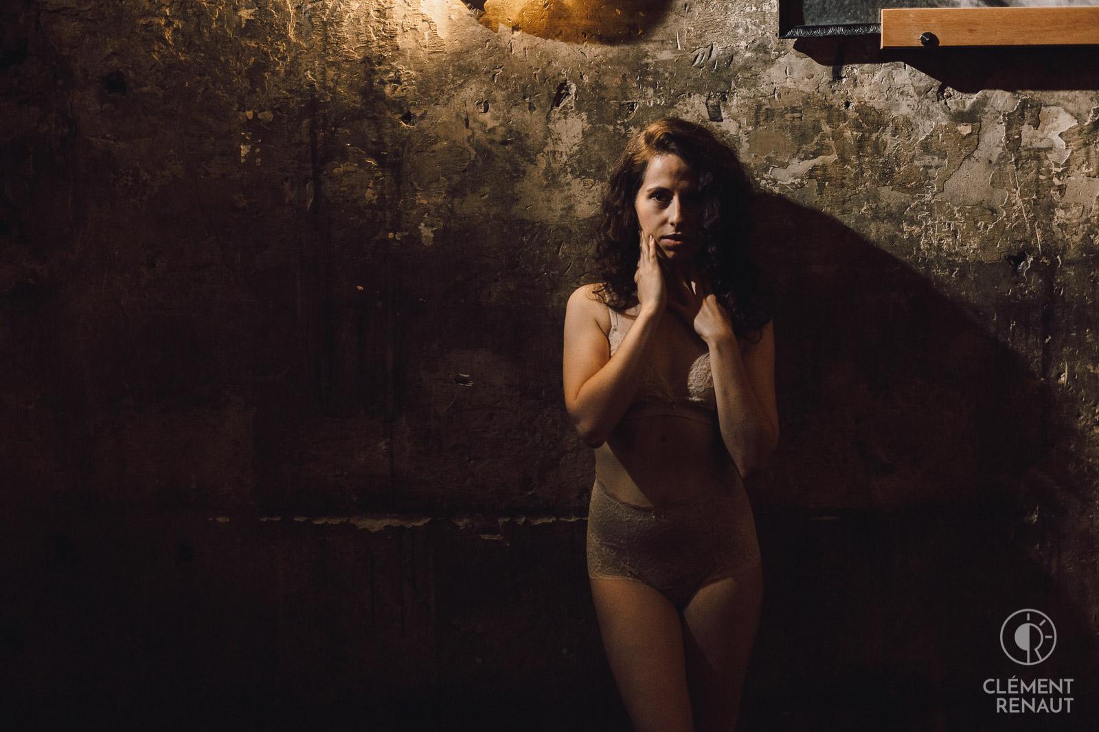 Portraits glamour et sensuels à Strasbourg - séance boudoir