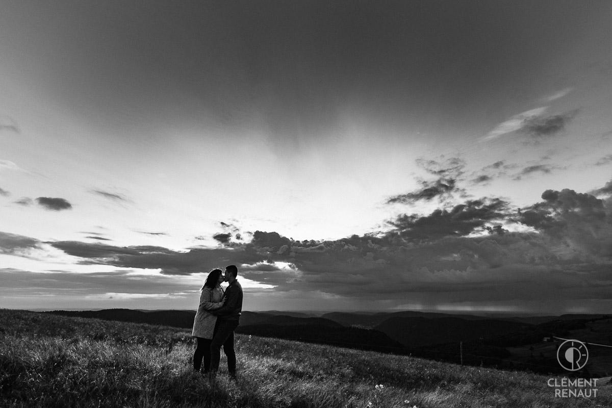 Séance photo de couple au grand air  -