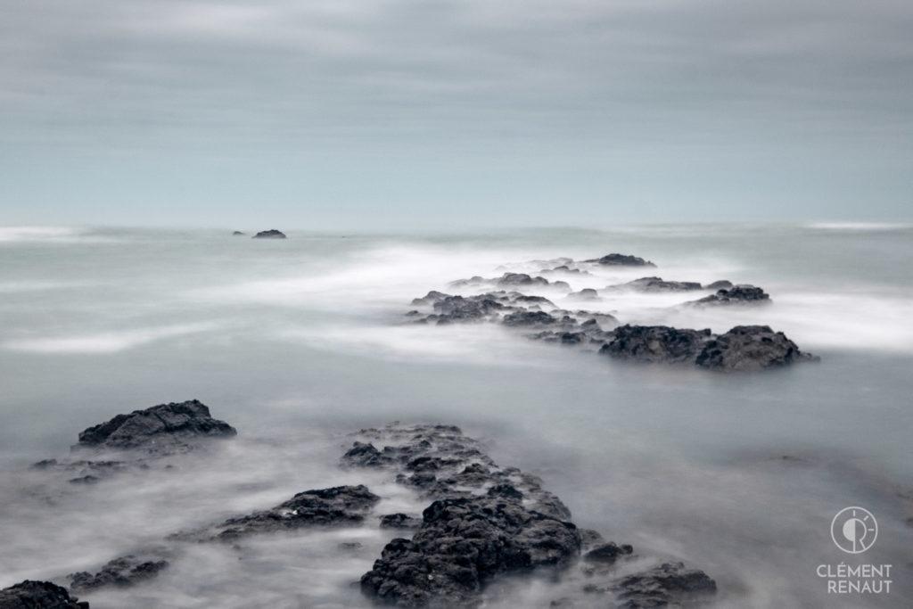 La mer, qu'on voit danser...  -